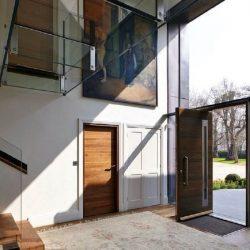 Къща с Блиндирана Входна Врата